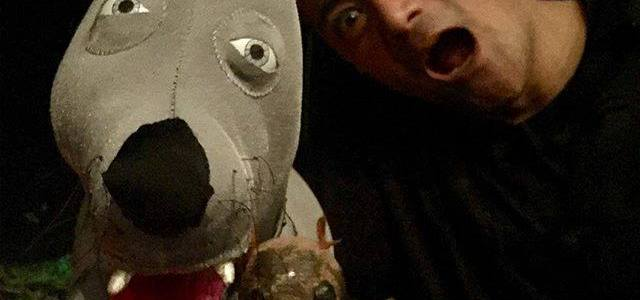 Yo-Yo and his owner Eddie (Ariel Estrada).