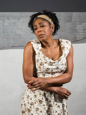 Dawnn Lewis in The Gershwins' Porgy and Bess. Photographer: David Bazemore