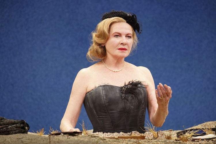 Dianne Wiest as Winnie in HAPPY DAYS. Photo: Joan Marcus