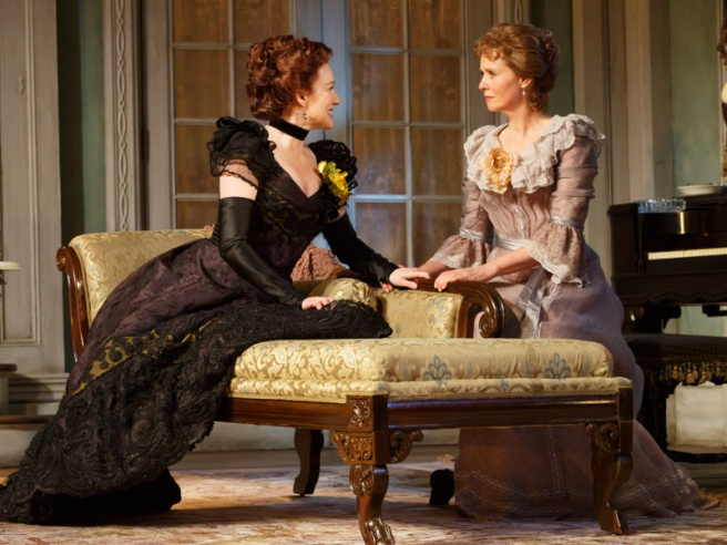 Laura Linney as Regina Giddens and Cynthia Nixon as Birdie Hubbard. Photo by Joan Marcus