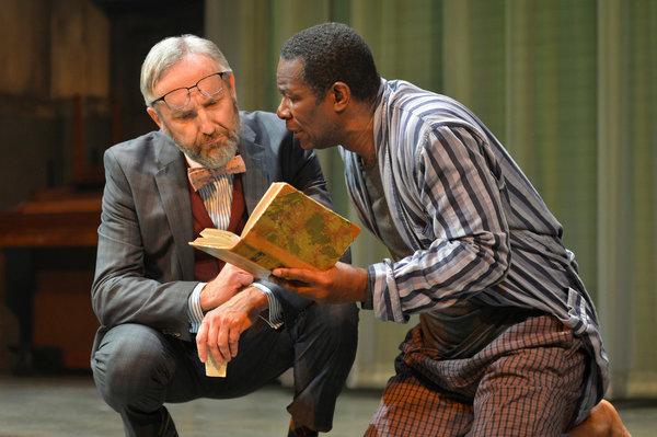 Polonius (Dan Hiatt) and Hamlet (John DouglasThompson) Photo by Kevin Berne