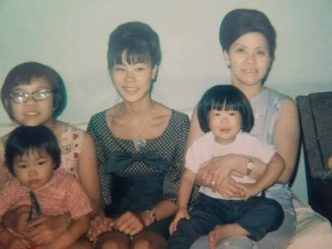 Nancy Lee Chang (right) with daughters Pauline and Beverly and granddaughters Lia and Tami.