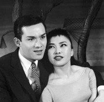 Ed Kenney and Pat Suzuki (Photo: Friedman-Abeles)