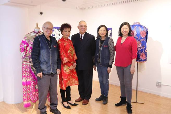 Founder Ming Yi Chen, Curator Mee Mee Chin, Artist Arlan Huang, founder Ching Yeh Chen and Joanne Kwong, Pearl River's president and daughter-in-law of the Chens. Photo by Lia Chang